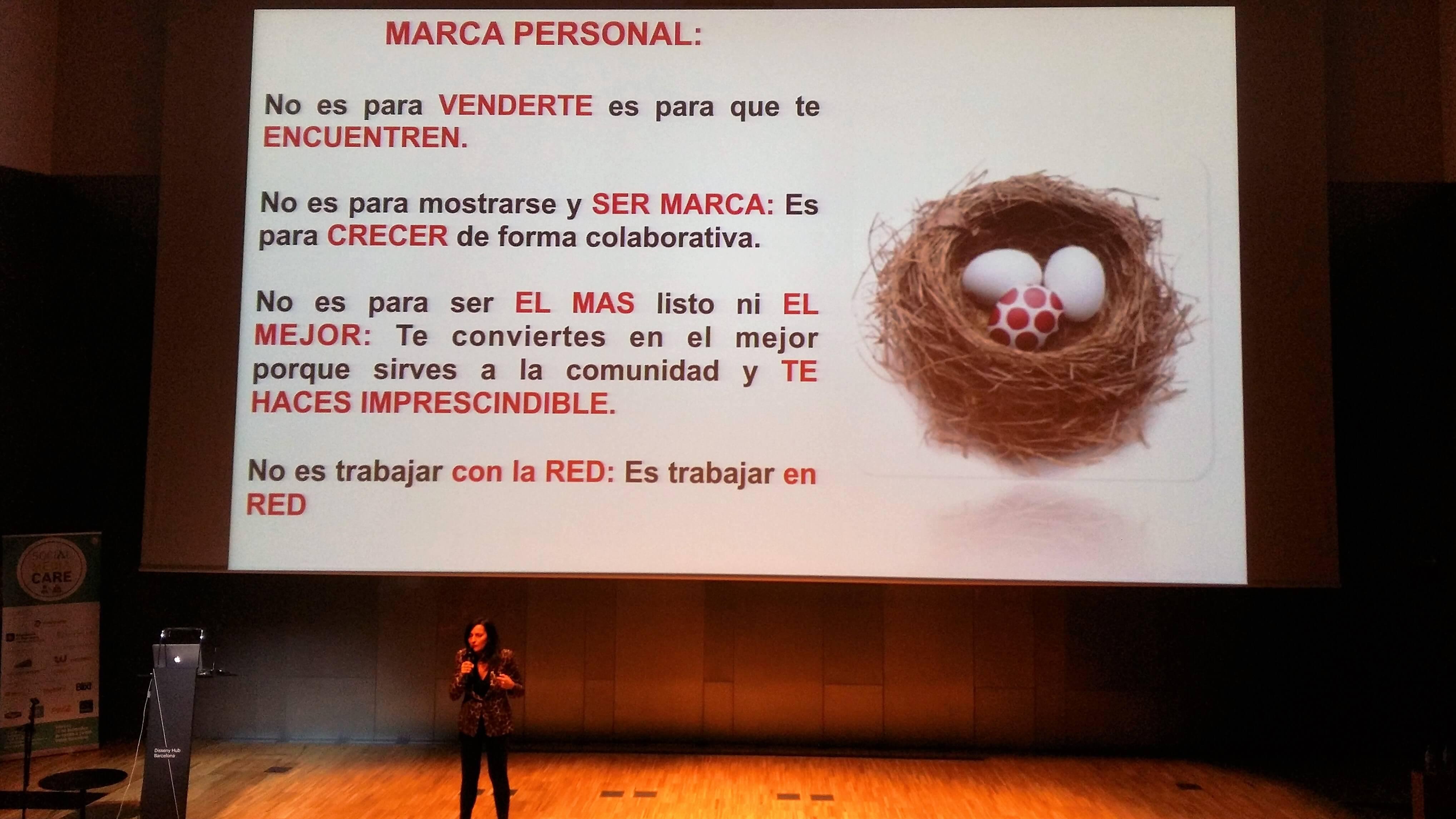 Eva Collado - Social Media Care - CinTínez