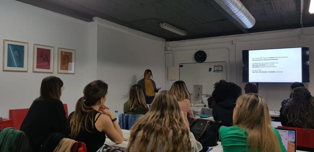 Natalia Mirapeix - Mujeres Atómicas - CinTínez